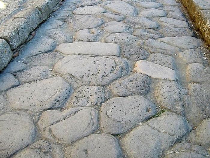 Herculaneumin katukivet. Kuva: Wikipedia.