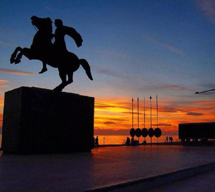 Aleksanteri Suuren patsas Thessalonikissa