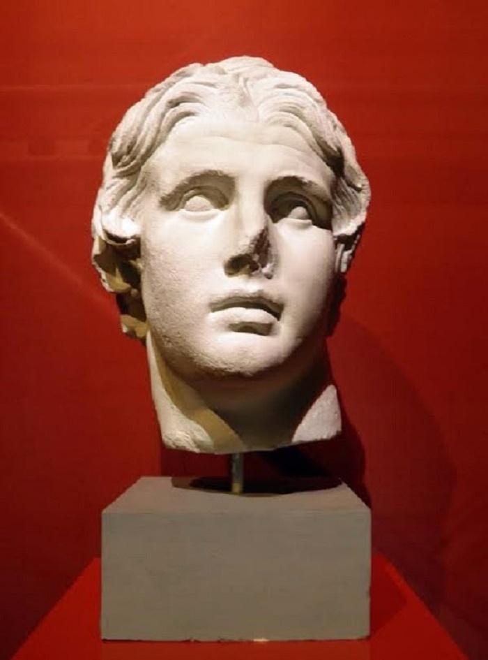 Aleksanteri Suuren patsas. Löydetty Agorasta 200-luvulla eaa.Valokuva: Carole Raddato (Following Hadrian).