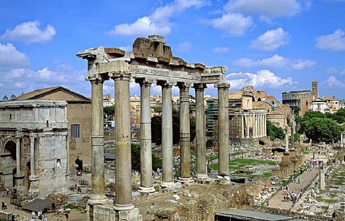 Forum Romanum oli Rooman poliittisen vallan keskus. Kuva: Wikipedia.