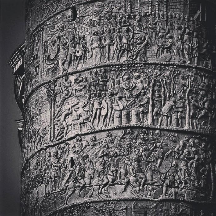 Yksityiskohta Trajanuksen pylväästä.