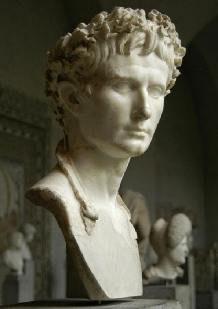 Augustuksen rintakuva Glyptotek-museossa. Valokuva: Wikipedia.