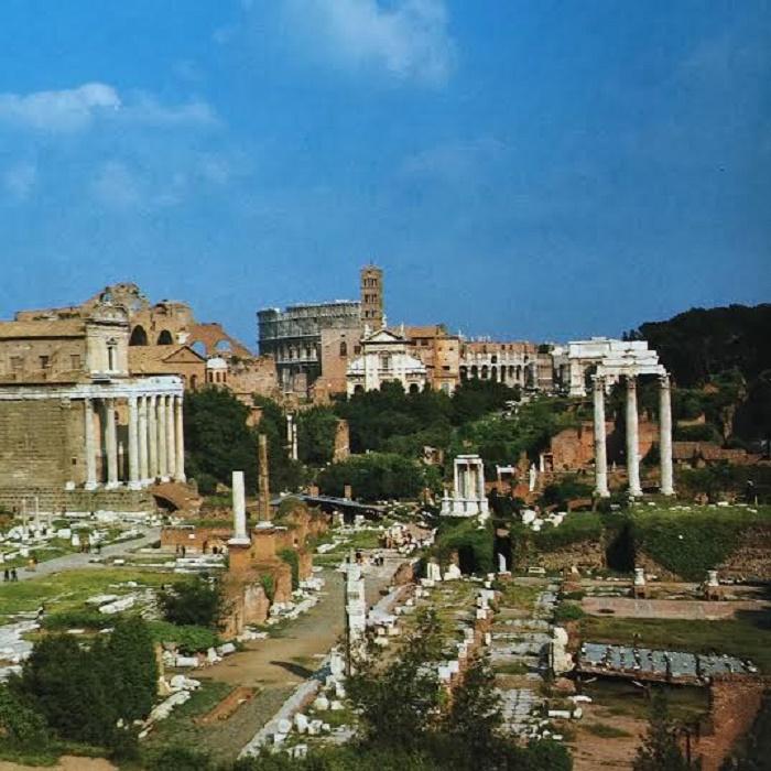 Näkymä Forum Romanumille