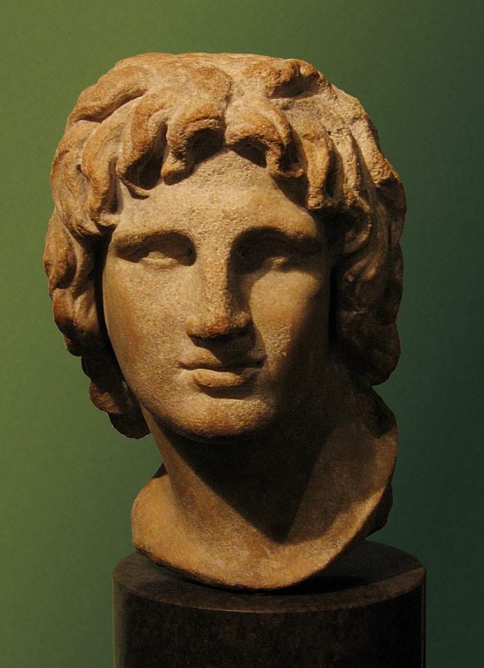 Aleksanteri Suuren rintapatsas British Museumissa. Patsas on alkujaan Aleksandriasta ja se kuvaa Aleksanteria 20-vuotiaana.