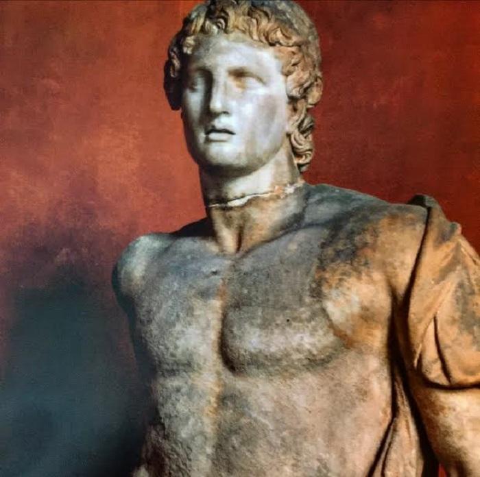 Aleksanteria esittävä veistos löydettiin Magnesiasta, se on peräisin 100-luvulta eaa. Valokuva: Erich Lessing/akg-images.