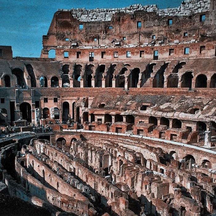 Colosseum sisältä