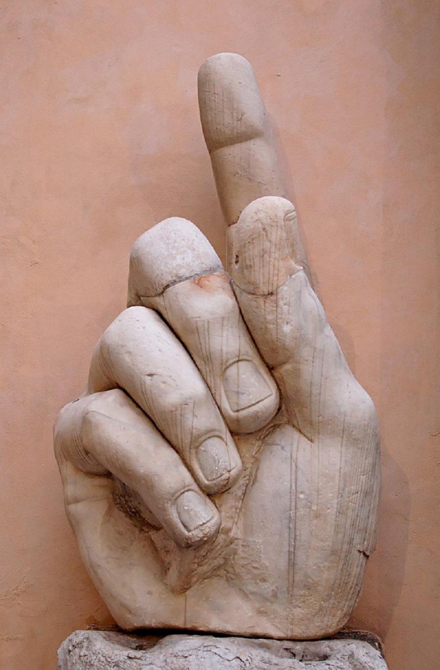 Hand_Constantine_Musei_Capitolini_MC786